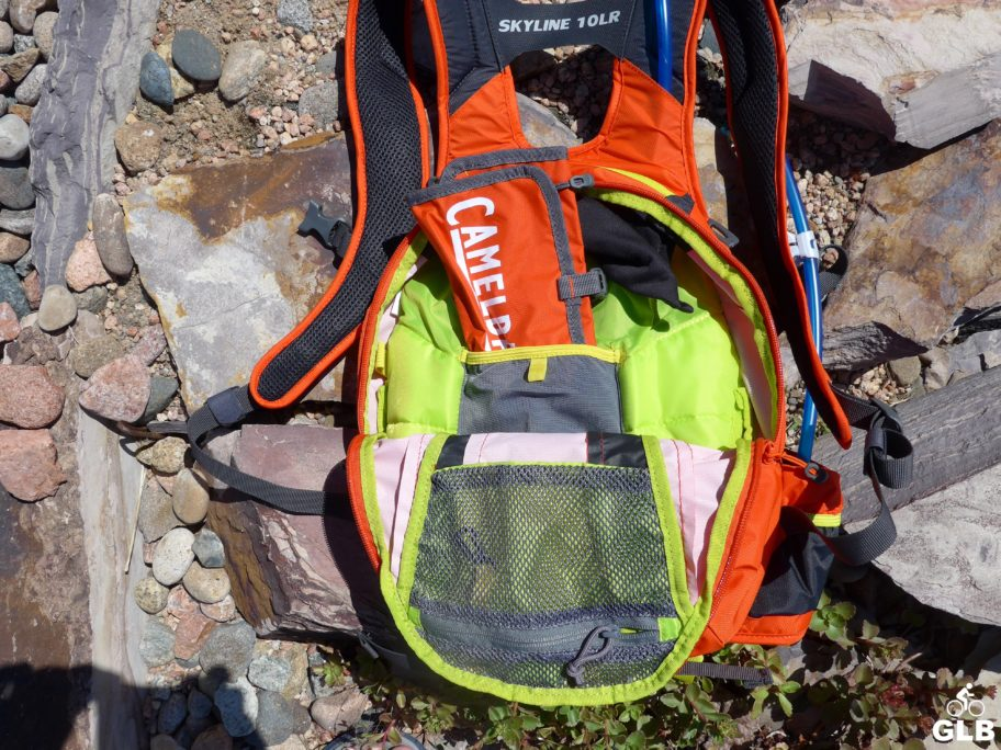 Camelbak_Skyline_10LR_pockets