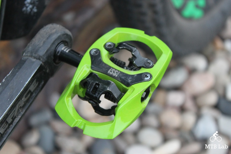 issi_pedals_on_bike