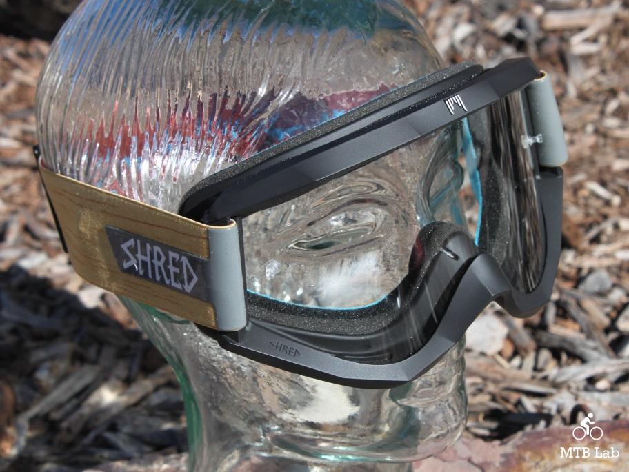 bb1984c477d Fresh produce giro chronicle mips helmet shred optics soaza jpg 912x684 Shred  optics goggles