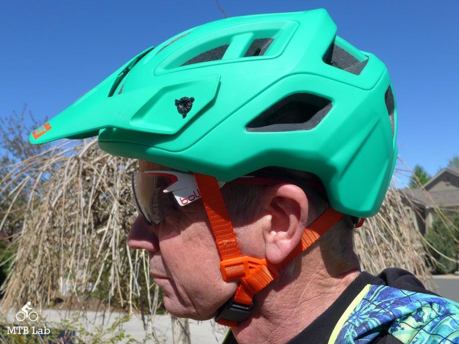 helmet_dbx_3.0