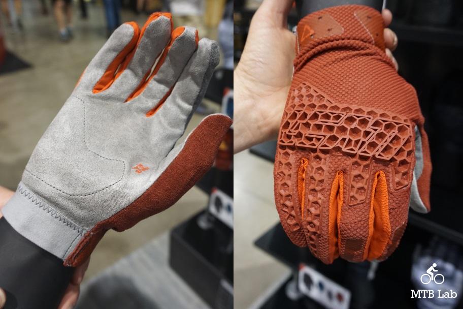 leatt_dbx4_glove